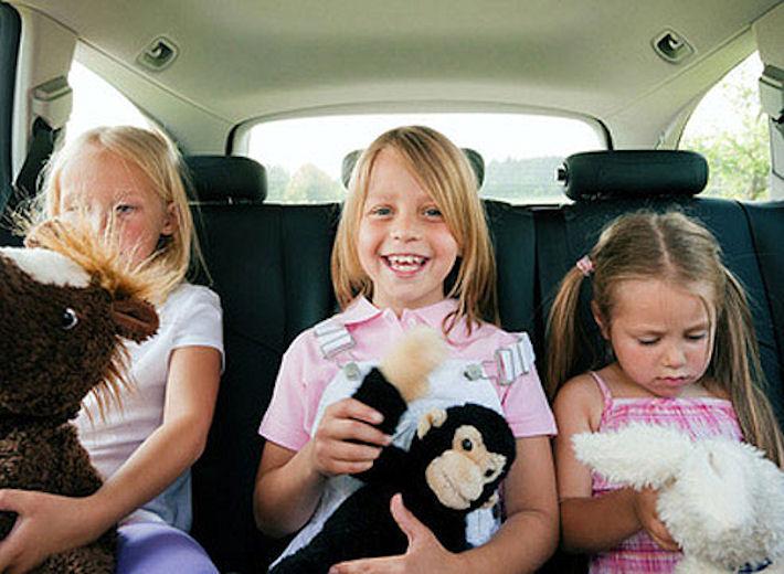Боремся со скукой: чем занять ребёнка в дороге
