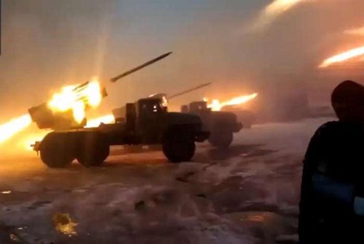 Возле Мариуполя украинских военных обстреляли со стороны моря?