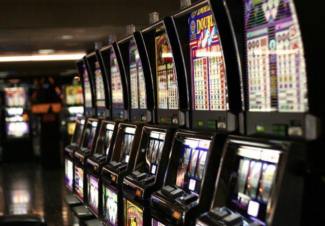 Игровые автоматы – риск и азарт уместны здесь!