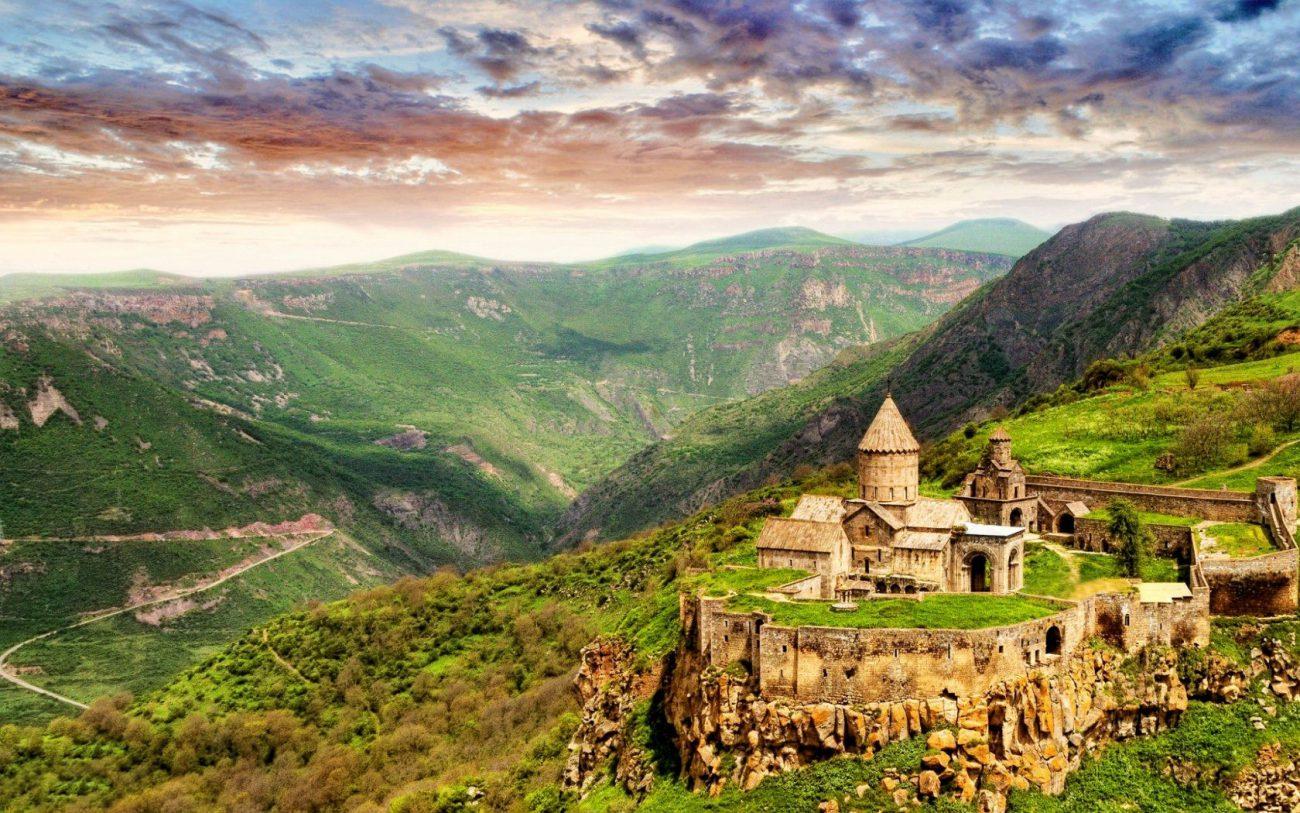 Армения создаст свой хайтек-кластер с ИИ и блокчейном