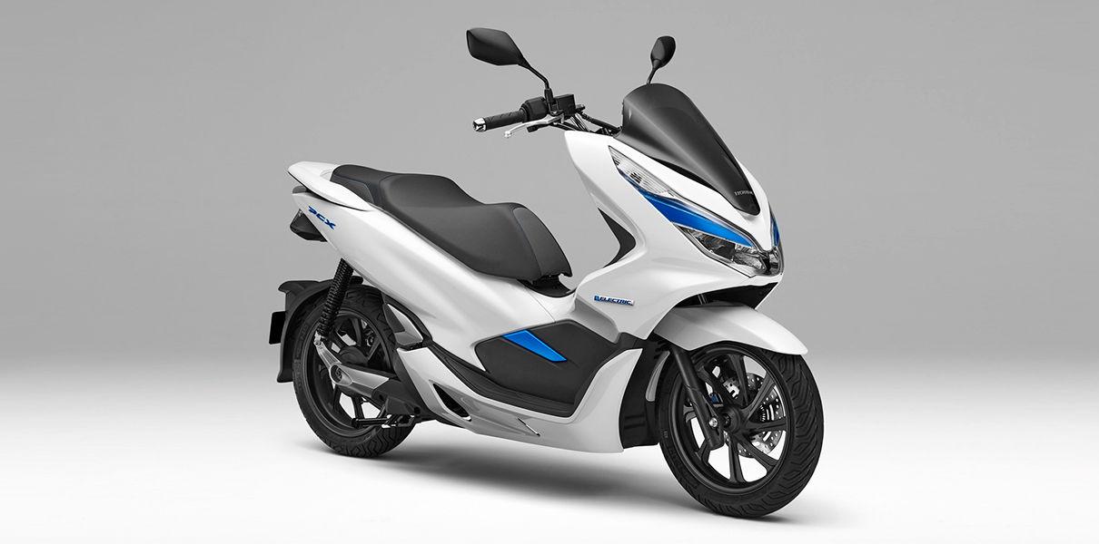 Honda выпустит электроскутер со сменными аккумуляторами
