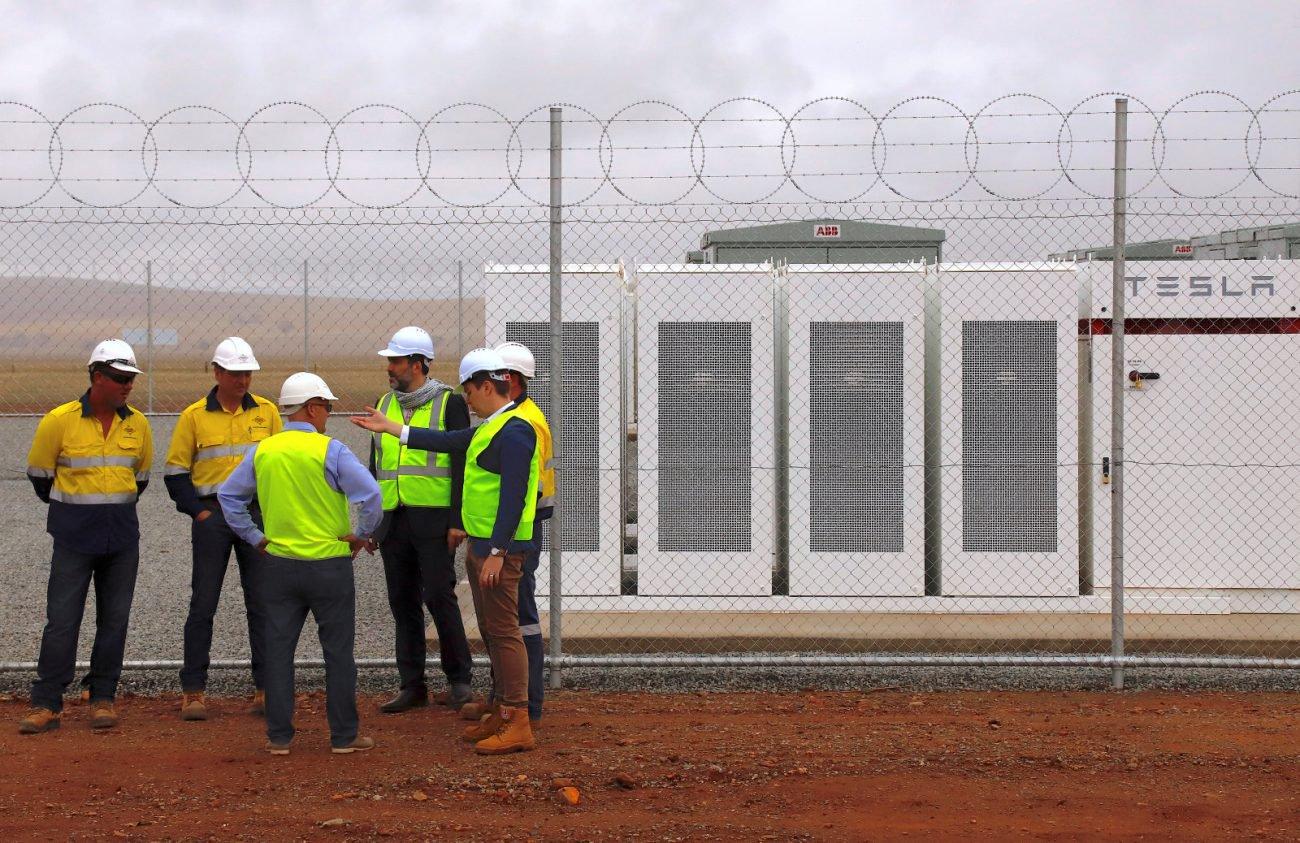 Tesla оснастит 50 тысяч австралийских домов солнечными панелями и батареями