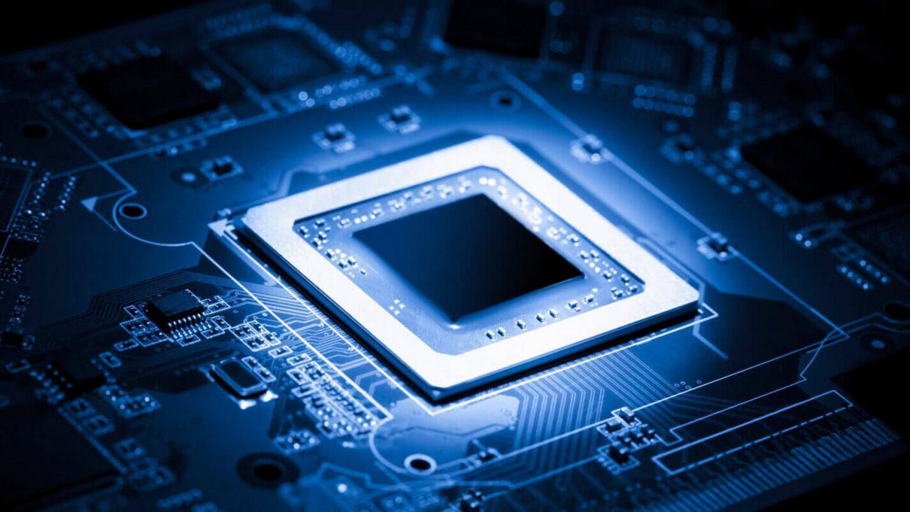 В IBM создали микрокомпьютер размером с кристалл соли