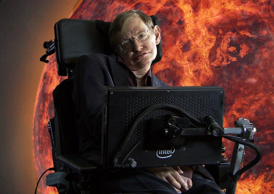 Стивен Хокинг надеялся, что M-теория объяснит Вселенную. Что это за теория?