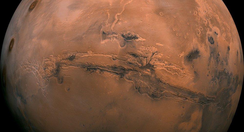 Планетологи уточнили, когда на Марсе могли появиться океаны