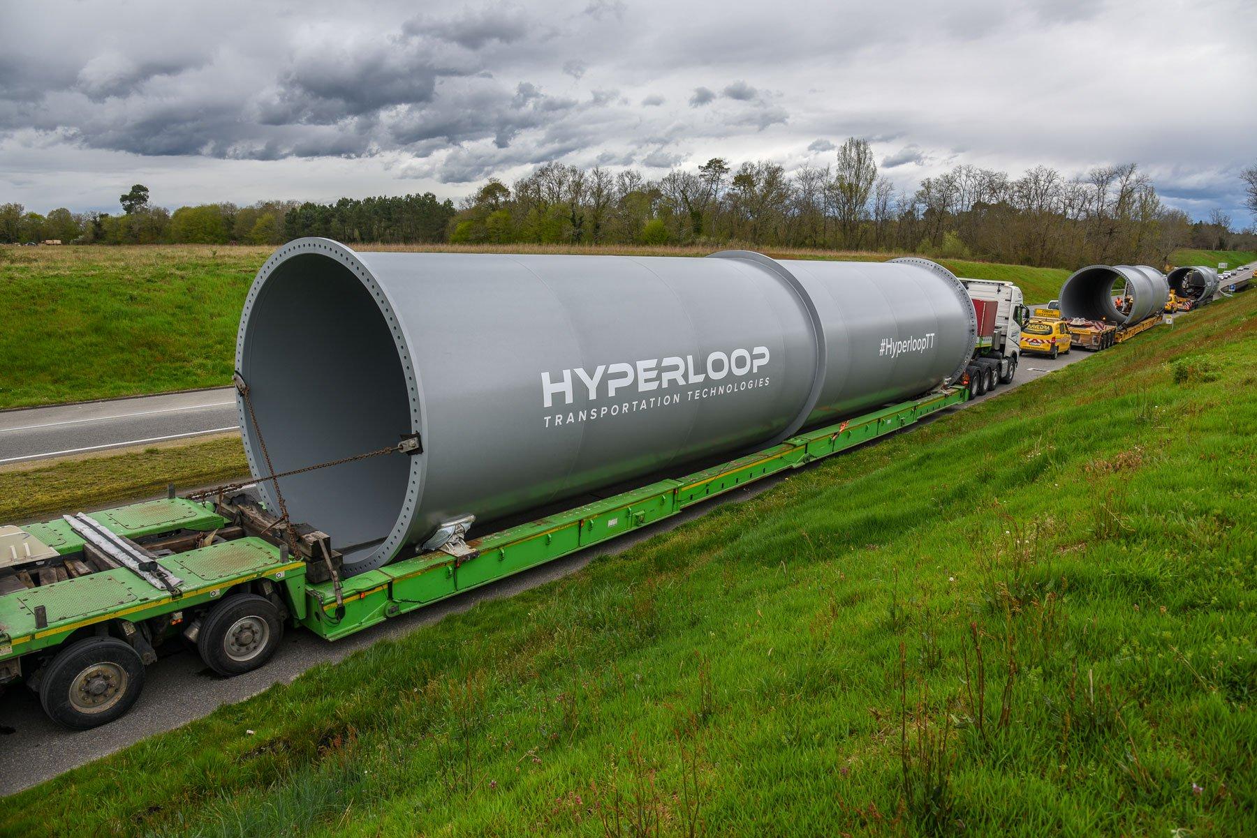 Во Франции начали строить линию Hyperloop