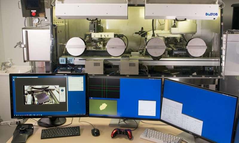 Создан робот для автоматической сборки дизайнерских наноматериалов