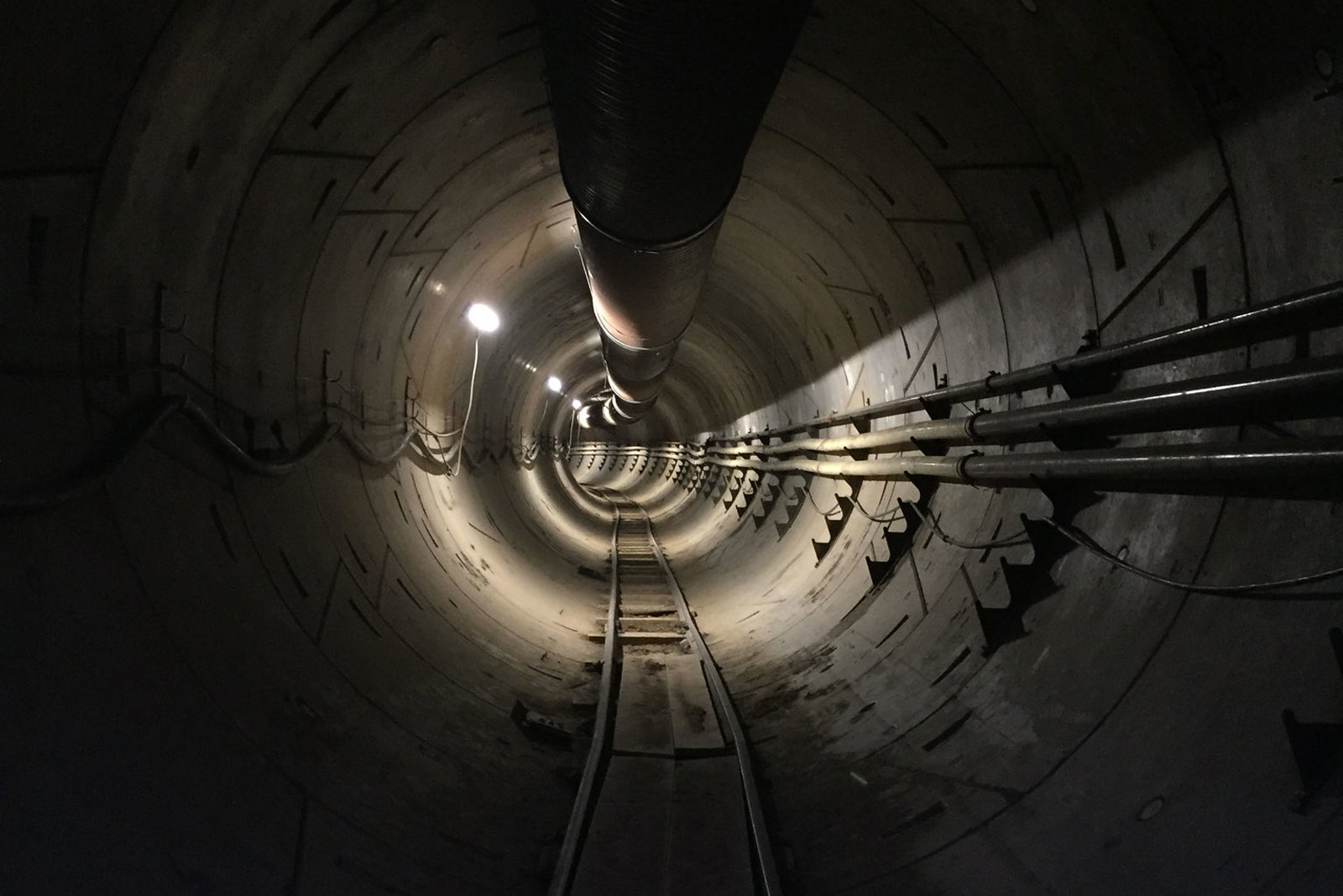 Поездки через подземный туннель Илона Маска будут бесплатными