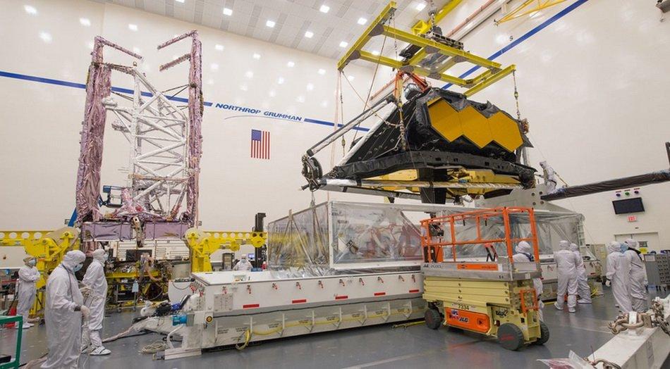 NASA: Из телескопа «Джеймс Уэбб» сыплются винты и гайки