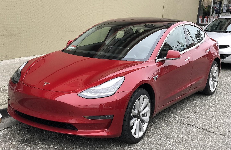 Tesla построила большой навес для производства Model 3