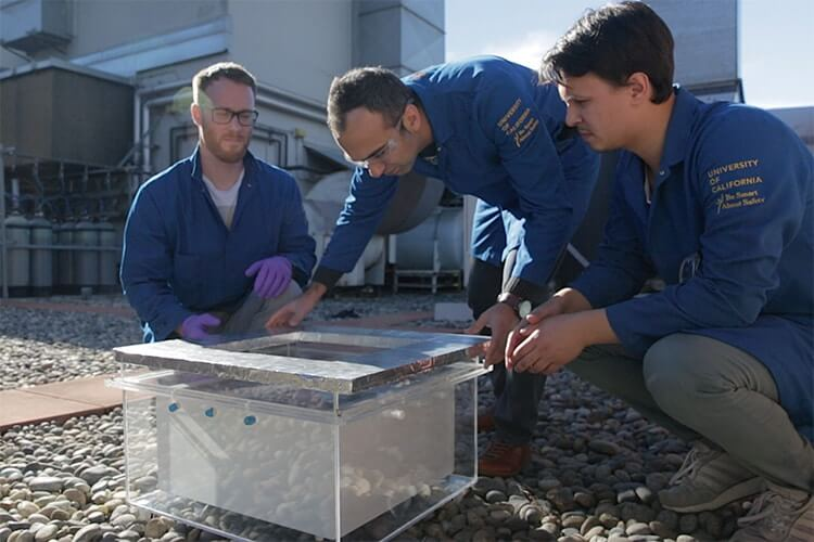 Ученые успешно добыли воду из воздуха в пустыне