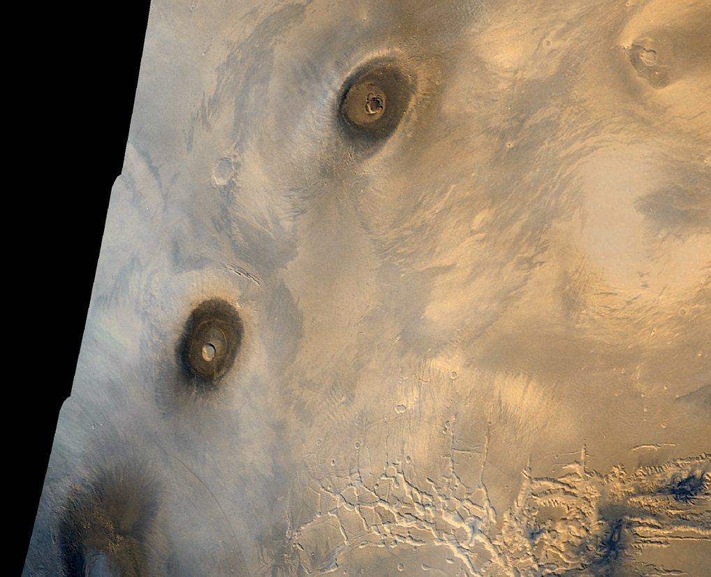 Собирайте чемоданы: 8 крутых мест для марсианского туризма