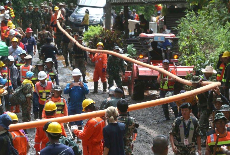 В тайских пещерах застряли дети. Как их будут спасать?