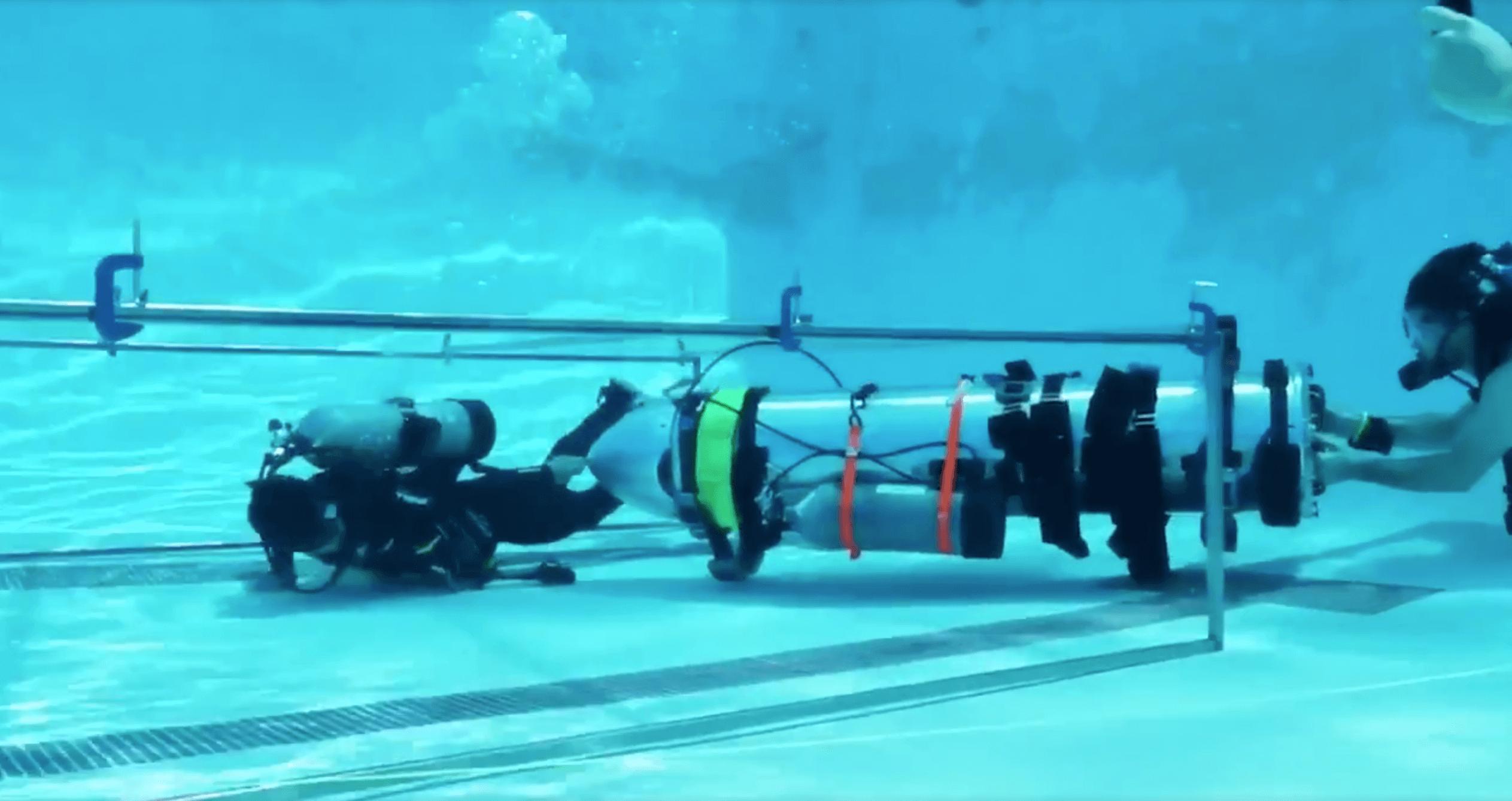 Для чего Илон Маск построил детскую подводную лодку