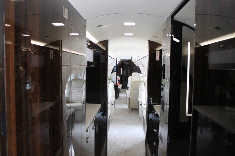 Экскурсия на личный самолет нового поколения Gulfstream G600
