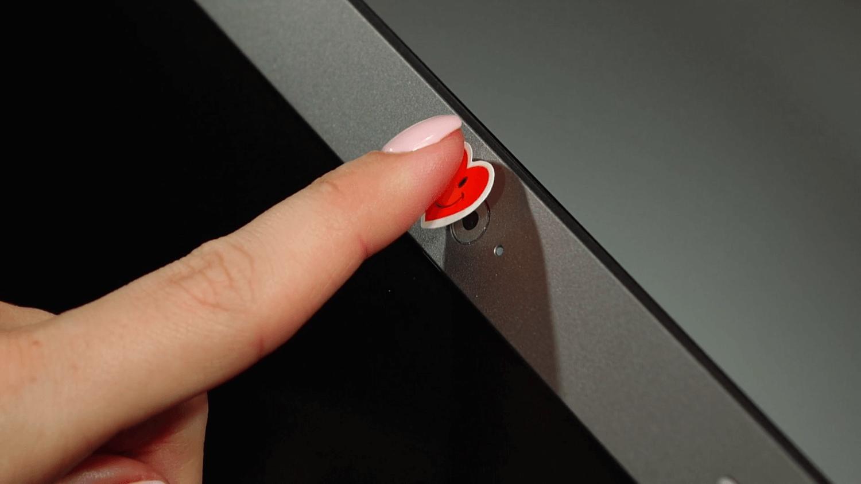 Пользователям компьютеров начали угрожать публикацией личного видео и истории браузера