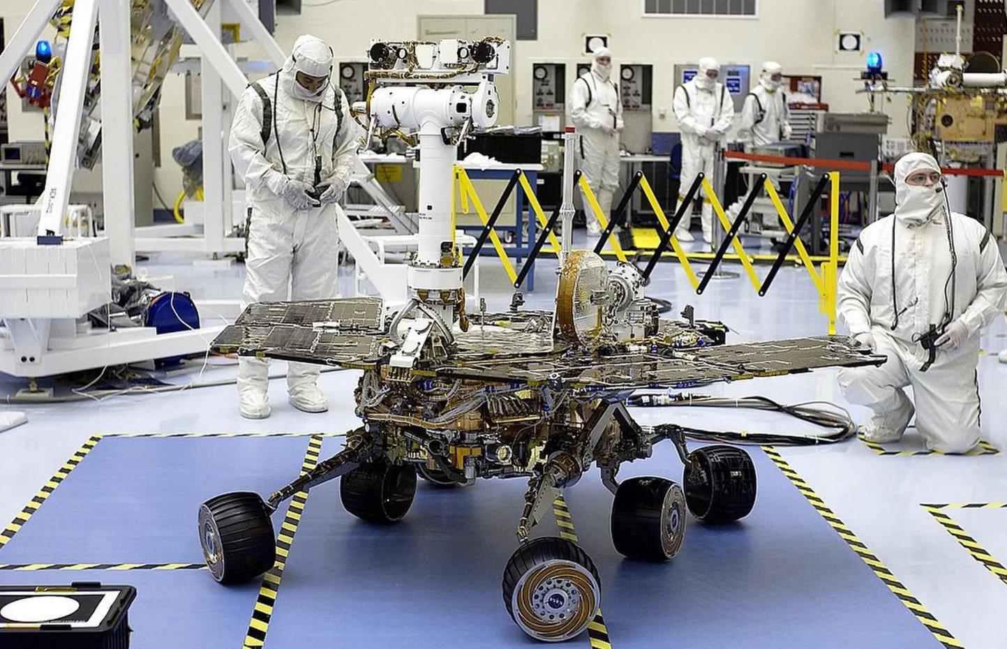 Марсоход NASA «Оппортьюнити» почти месяц не выходит на связь