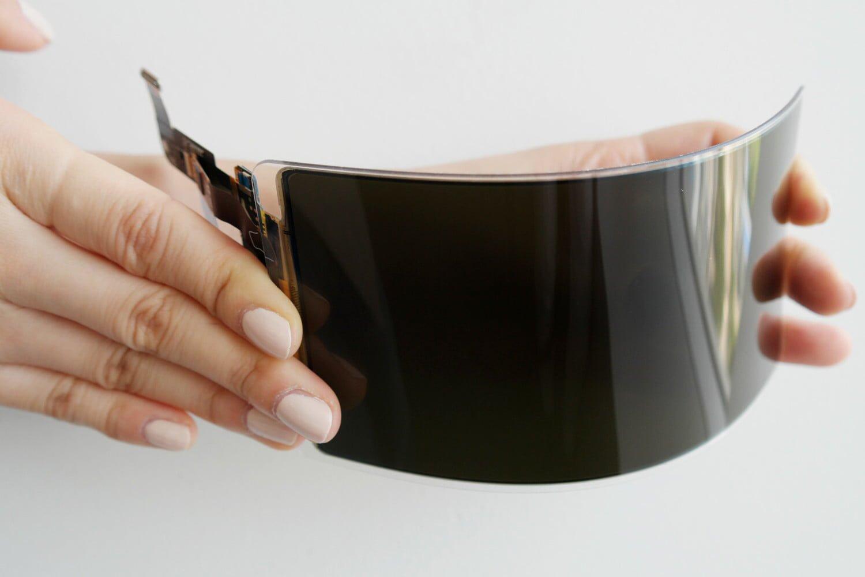 Samsung разработала «неубиваемый» дисплей для смартфонов