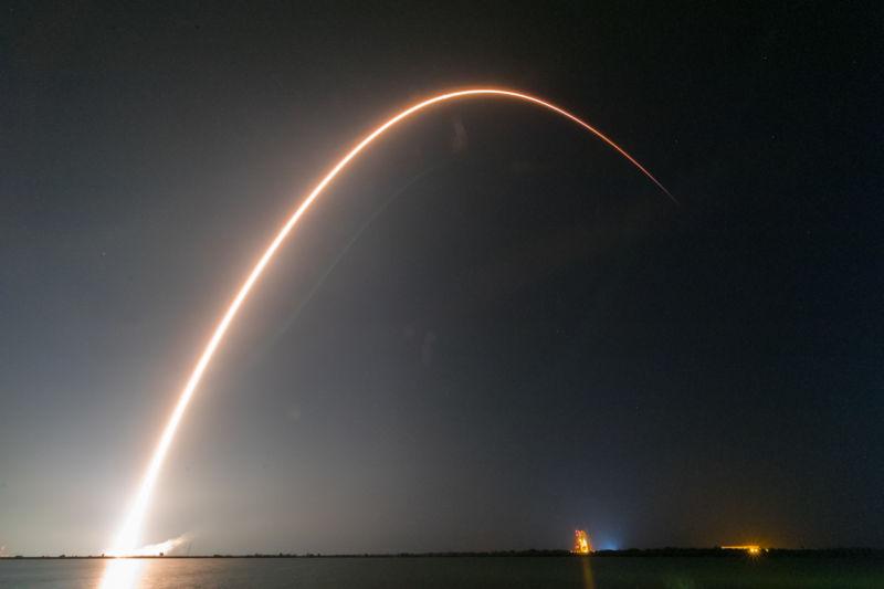 Этой ночью SpaceX впервые повторно запустит ракету версии Block 5