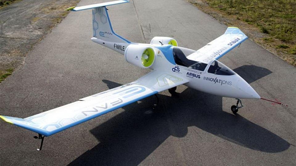В России разработают гибридный электрический авиадвигатель