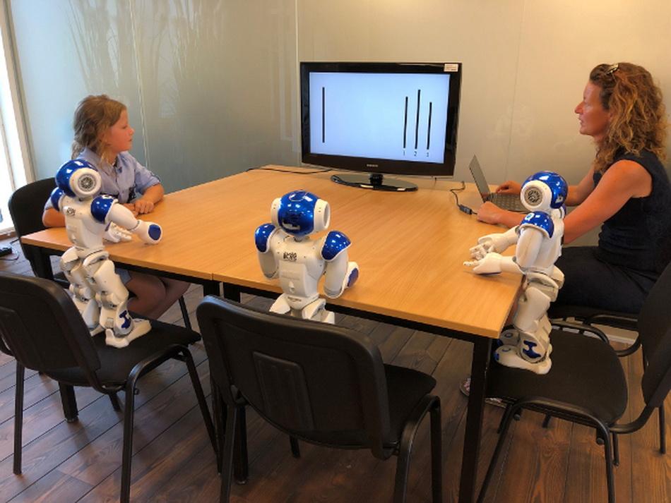 Дети более подвержены влиянию со стороны роботов, чем взрослые