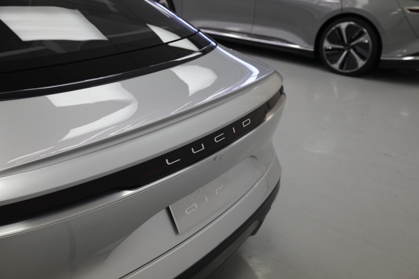 Инвестиции для Tesla достались компании Lucid Motors