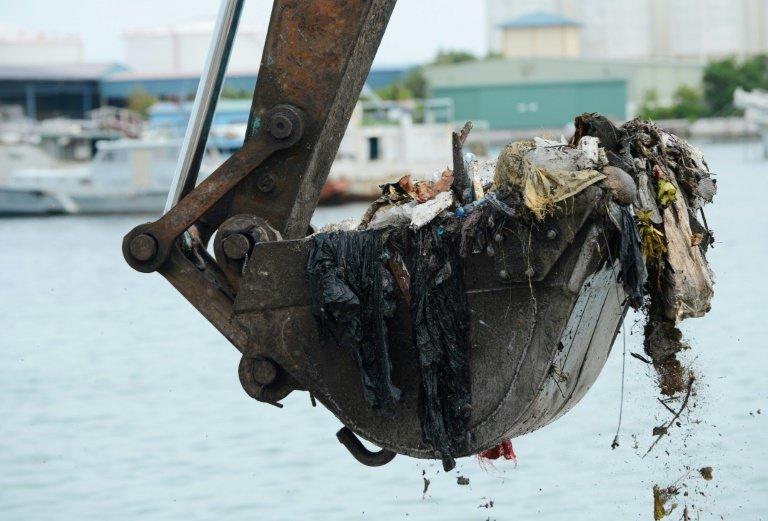 Coca-Cola, Walmart и другие крупные корпорации займутся борьбой с загрязнением океанов пластиком