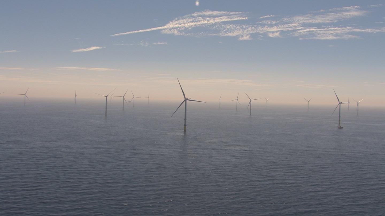 У берегов Великобритании заработала крупнейшая в мире ветряная электростанция