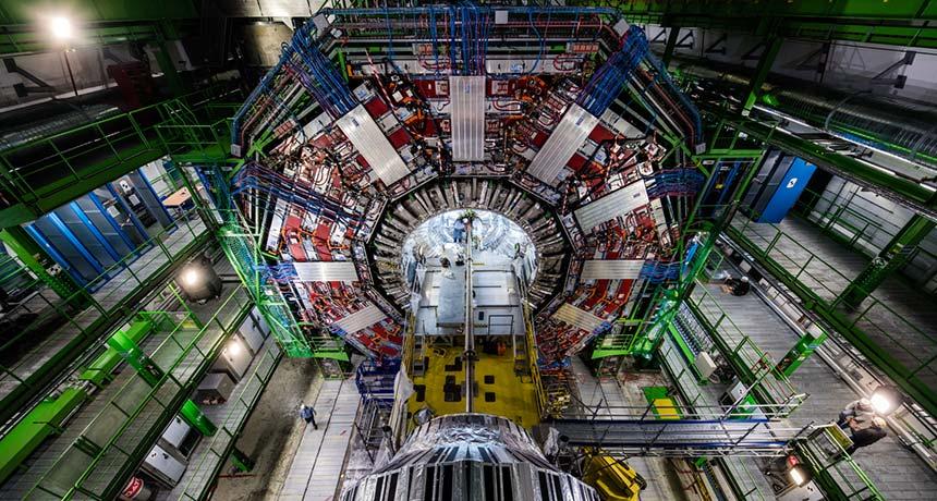 Большой адронный коллайдер закрывается на два года