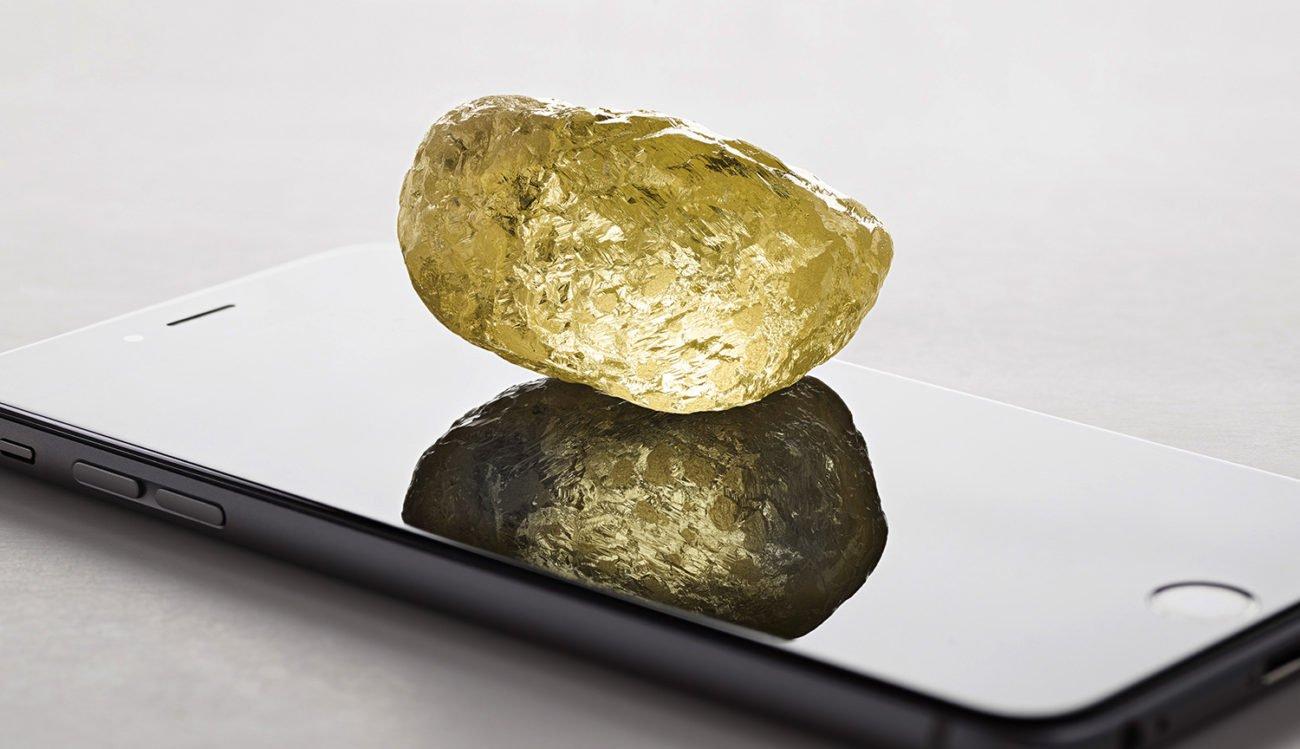 В Северной Америке найден алмаз размером с куриное яйцо