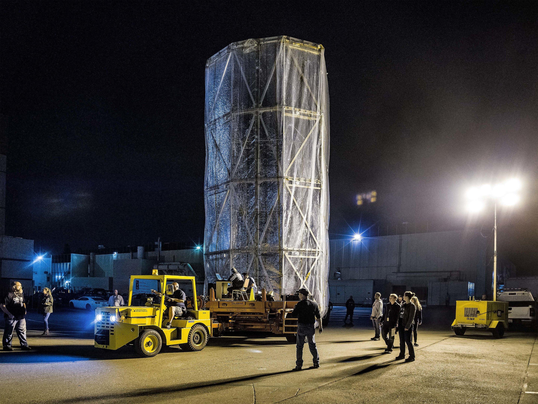 Космический телескоп Джеймса Вебба закутали в передвижную стерильную комнату