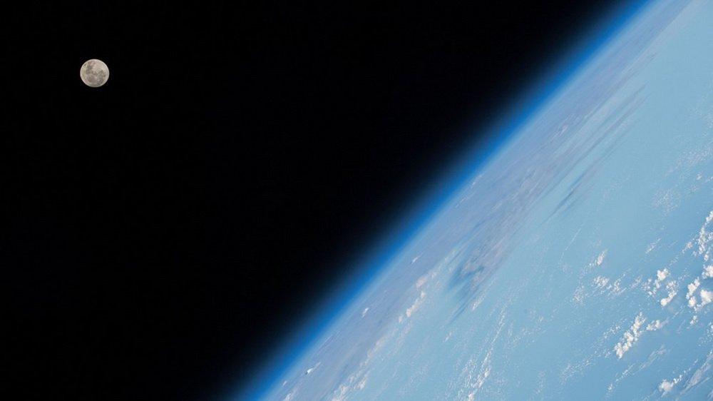 Астронавт NASA показал, как он заново учился ходить по Земле