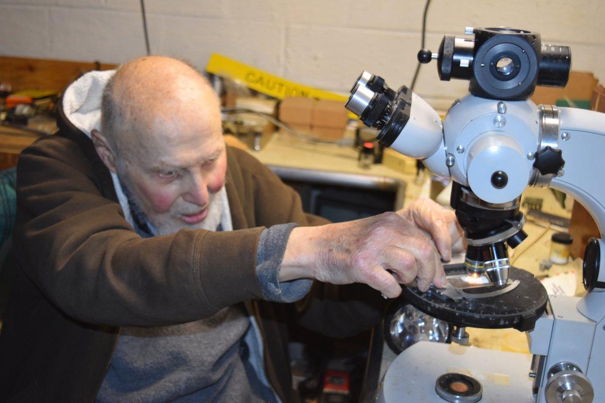 Старейший нобелевский лауреат создал источник дешевого электричества