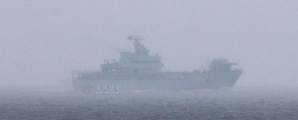 Китайский военный корабль, оснащенный рельсотроном, замечен в открытом море