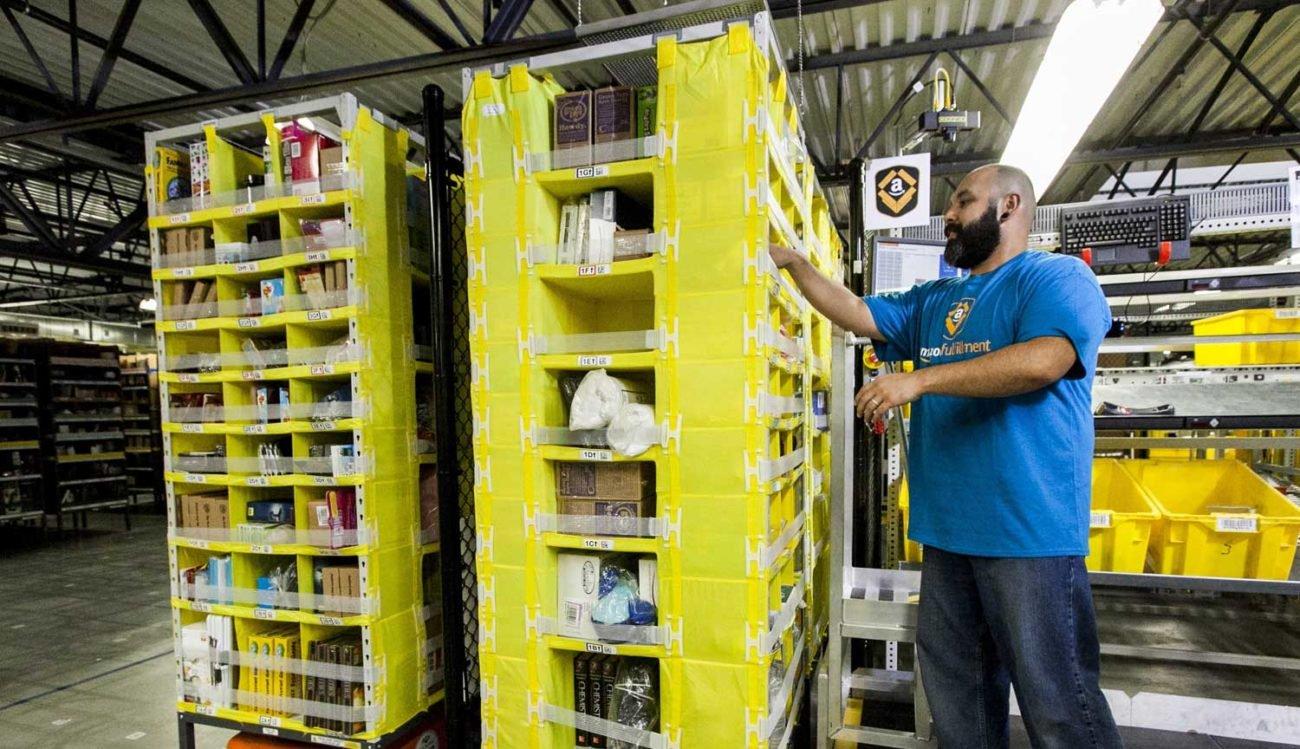 Amazon научила роботов не подходить близко к людям