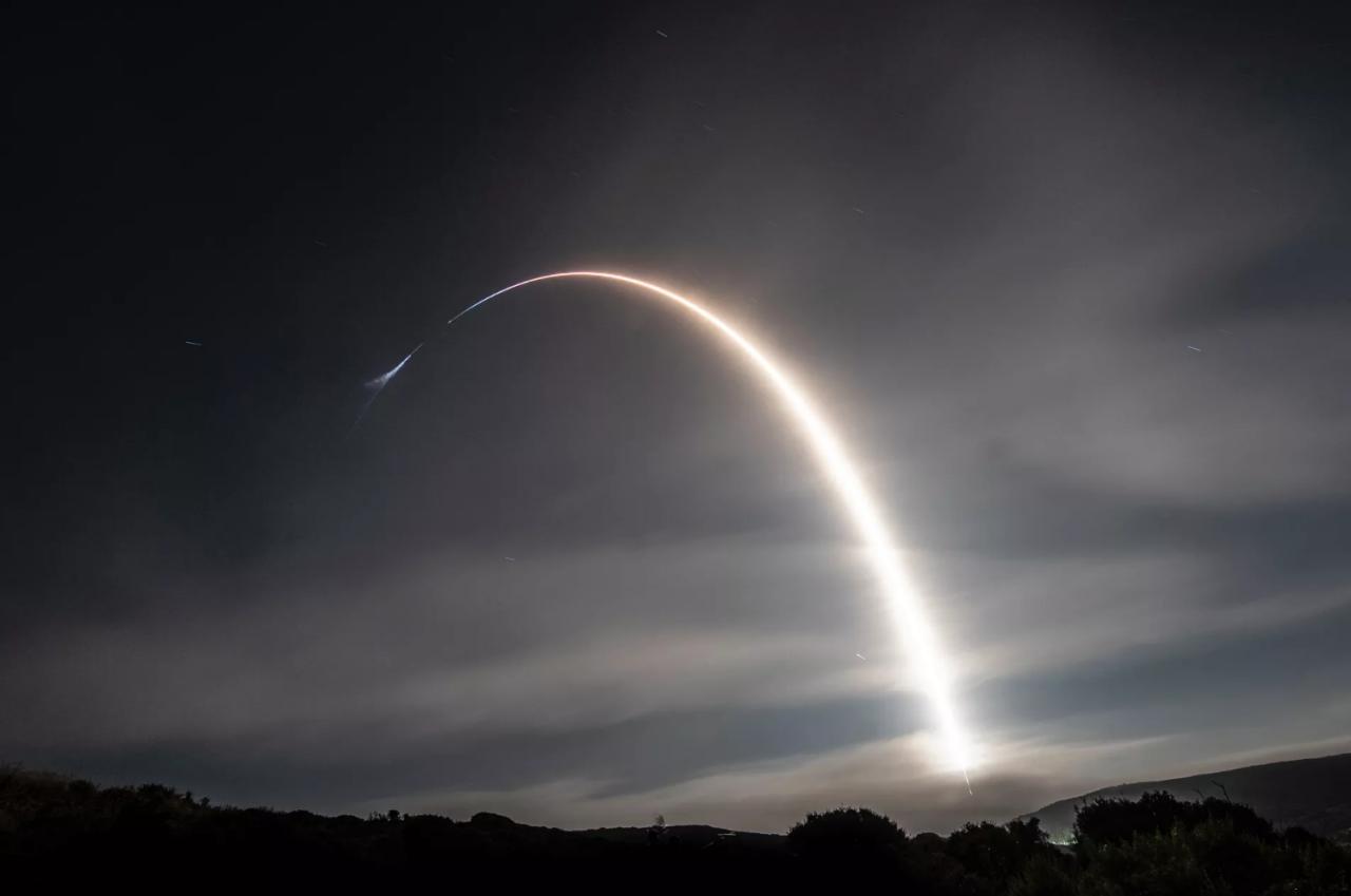 Космический туризм, падение астероида и другие новости высоких технологий
