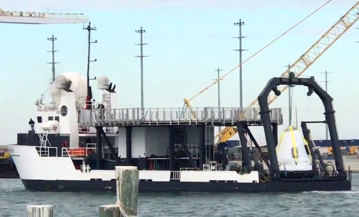 Перевоз капсулы Crew Dragon, извлеченной из воды, попал на видео