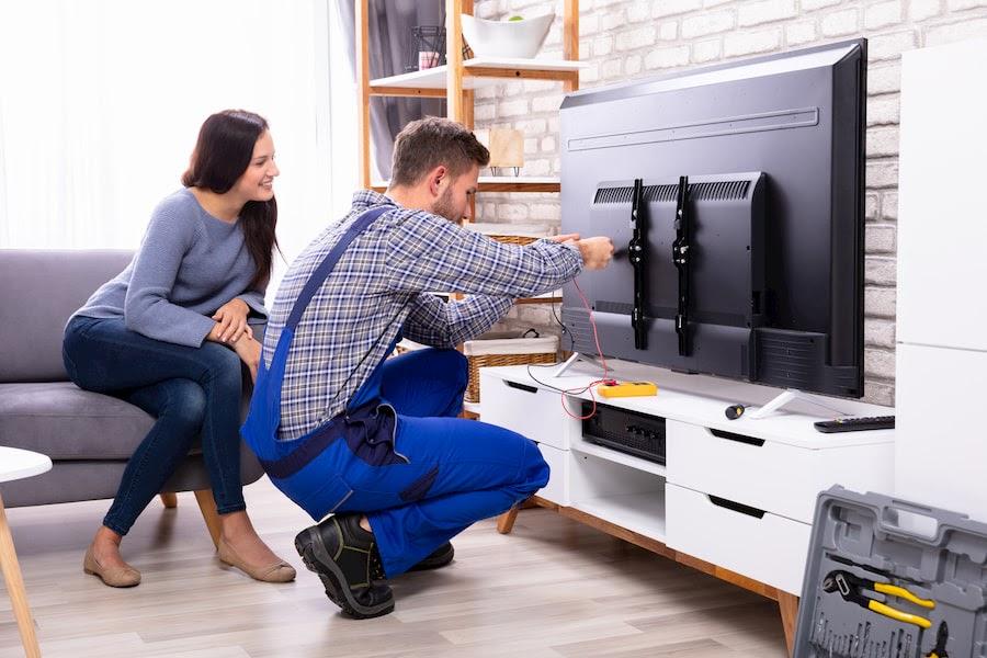Не включается телевизор: причины и что нужно делать